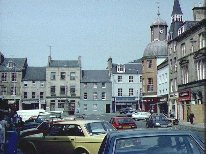 CUPAR SHOPPING CENTRE-1986