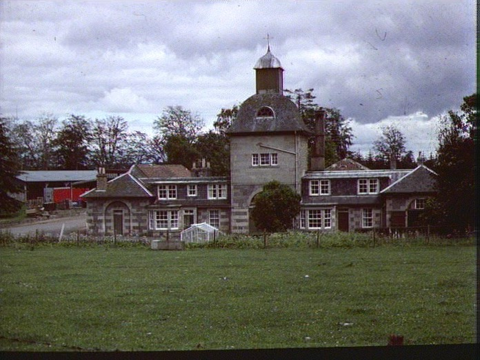 CAIRNIE FARM BUILDINGS-1986