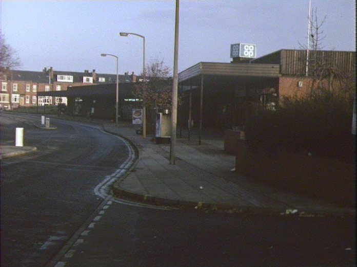 Shopping precinct Hunslet-1986