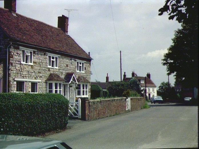 STONE HOUSE,BISHOPS ITCHINGTON-1986
