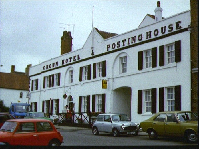 The Crown Hotel ,Bawtry-1986