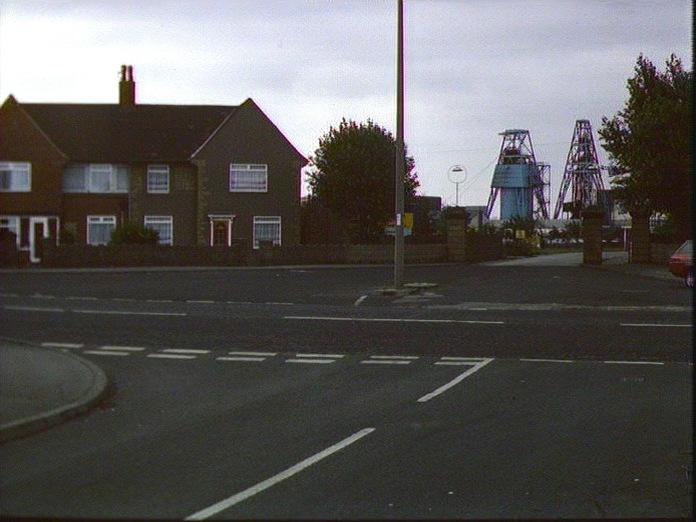 Armthorpe pit entrance-1986
