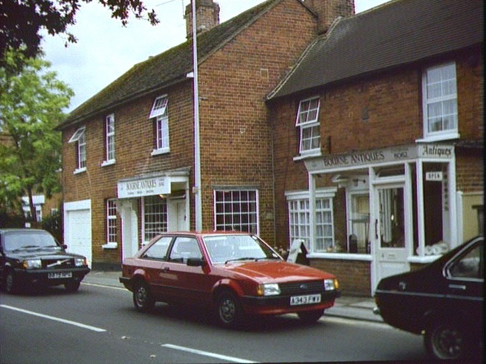 Trade in Chertsey Road Chobham-1986