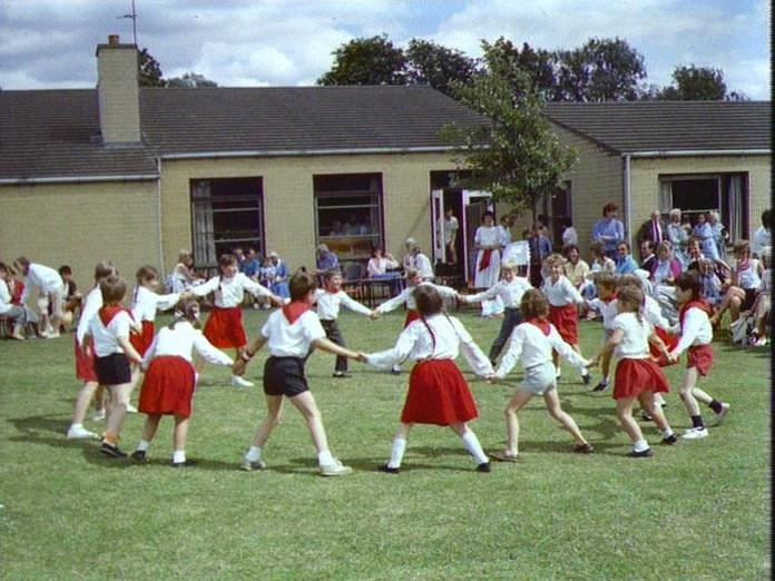 SCHOOL FETE, HOCKLIFFE-1986