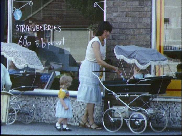 Housewives at Waddington shops-1986