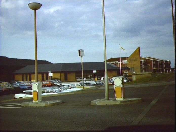 LITTLEHAMPTON SWIMMING CENTRE-1986
