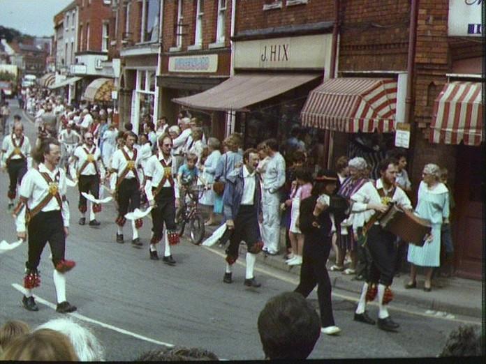 SLEAFORD CARNIVAL PROCESSION-1986