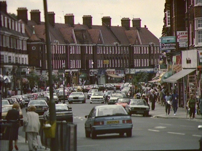 GOLDERS GREEN SHOPPING CENTRE-1986