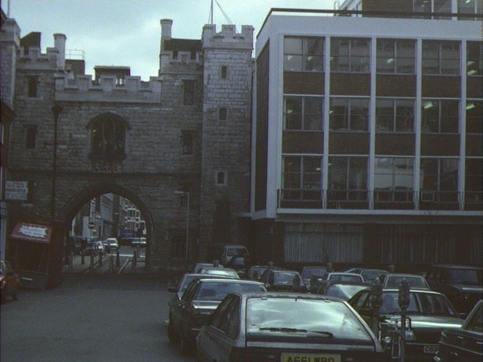 St John's Gate and offices-1986