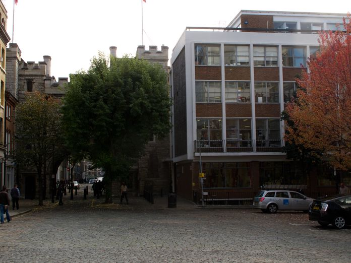 St John's Gate and offices-2011