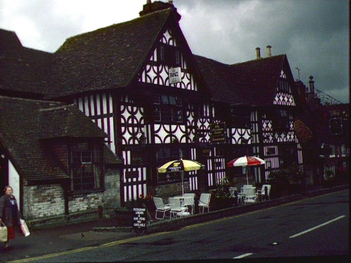The Middle House Hotel.-1986