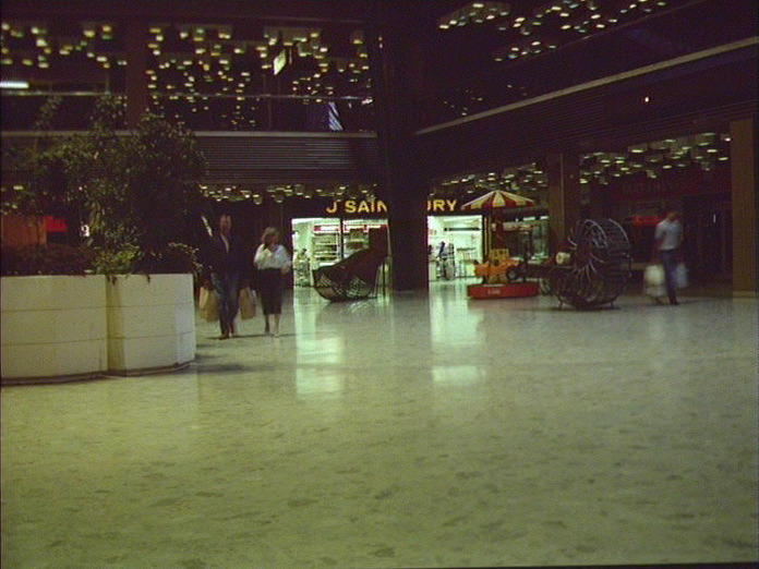 EARLY SHOPPERS AT CHATHAM-1986
