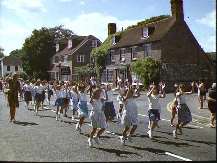 SCHOOL FETE PROCESSION.-1986
