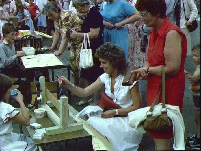 KENNINGTON JUNIOR SCHOOL FETE-1986