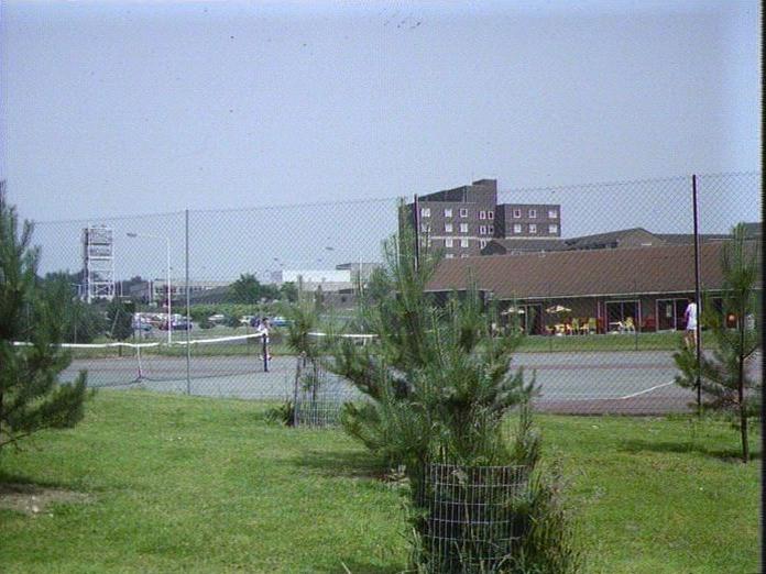 THE WILLIAM HARVEY HOSPITAL-1986