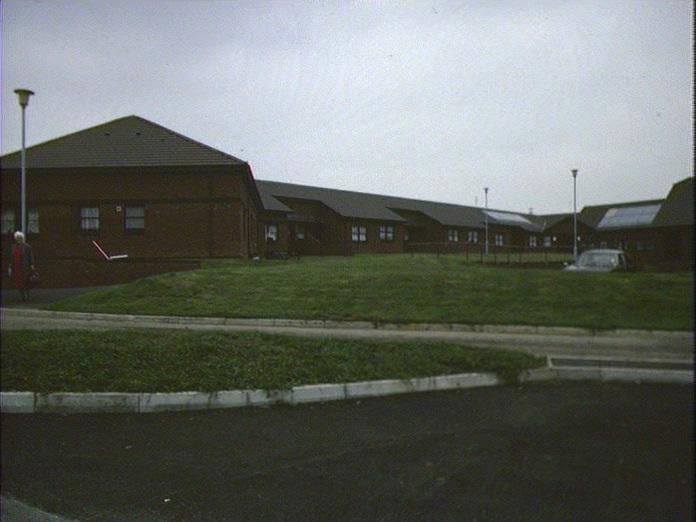 Llys-y-Dderwen,Ponthenry.